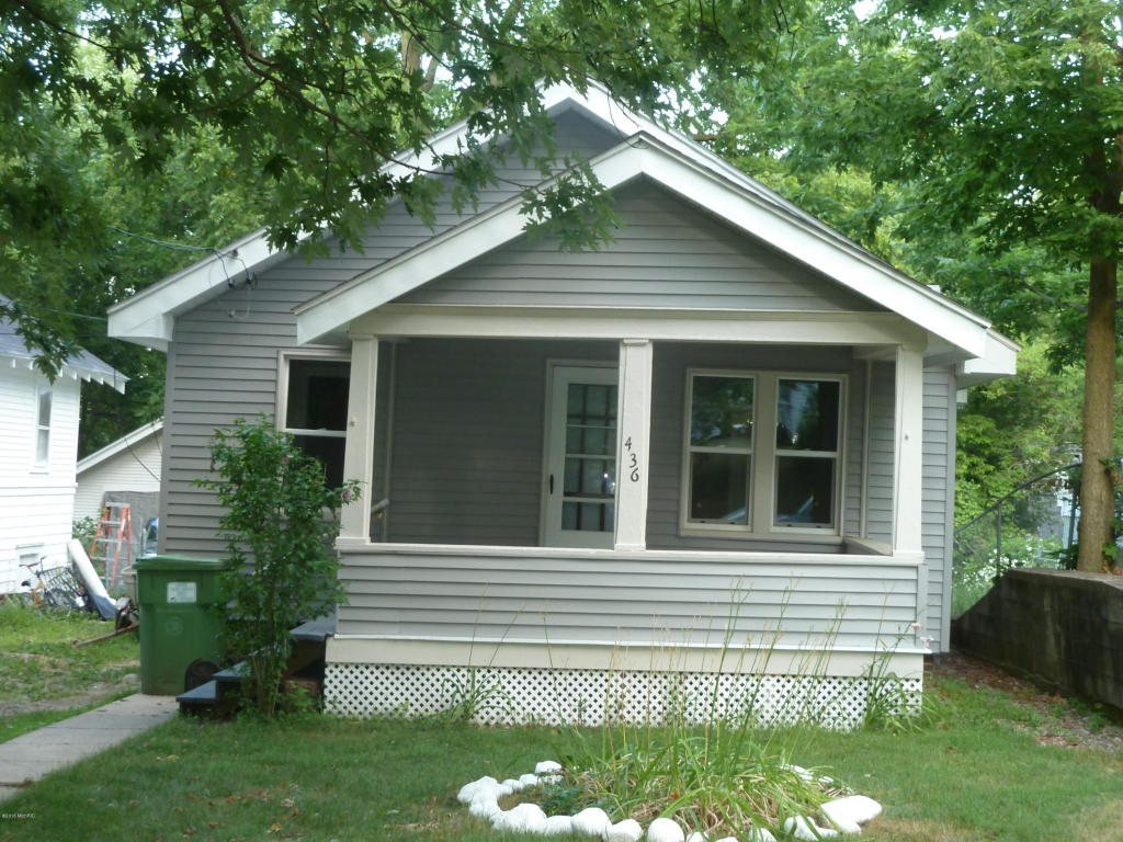 Photo of 436 24th st N  Springfield  MI