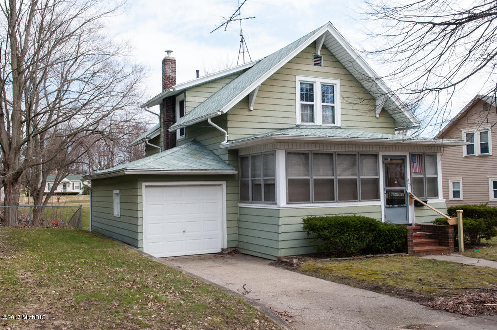 Single Family Residence, Traditional - Albion, MI (photo 2)