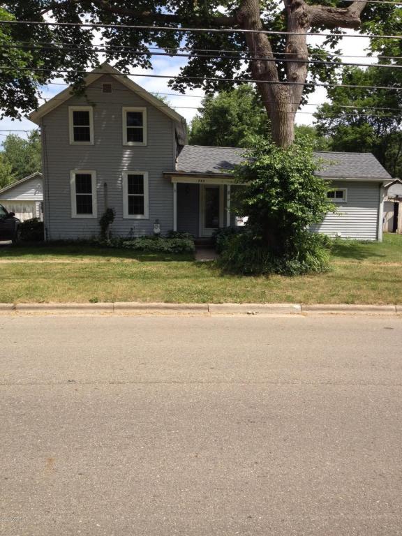 Photo of 745 E Green Street  Marshall  MI