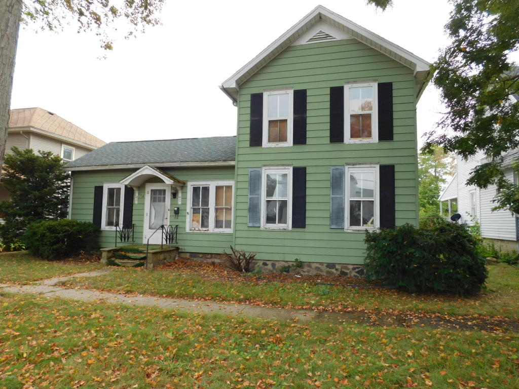 Photo of 114 E Walnut Street  Albion  MI