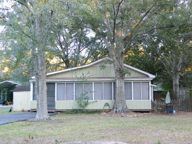 14209 Bayou Pines Dr, Coden, AL 36523