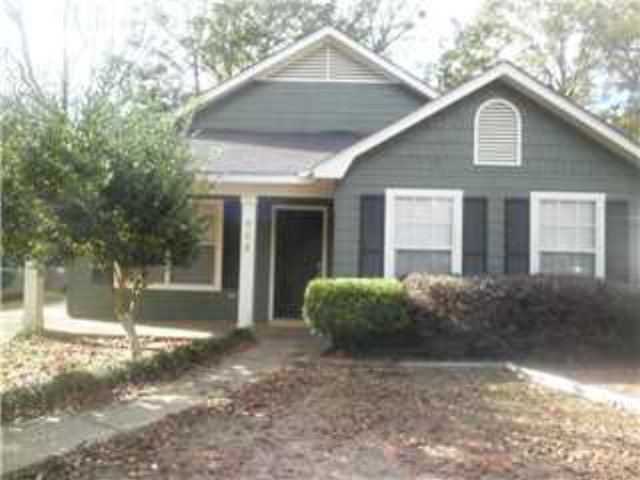 908 Pinemont Dr, Mobile, AL 36609