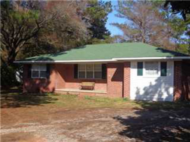 566 Richie St, Axis, AL 36505