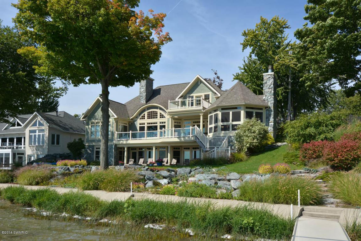 Michigan waterfront property in coldwater hillsdale for Lakefront homes