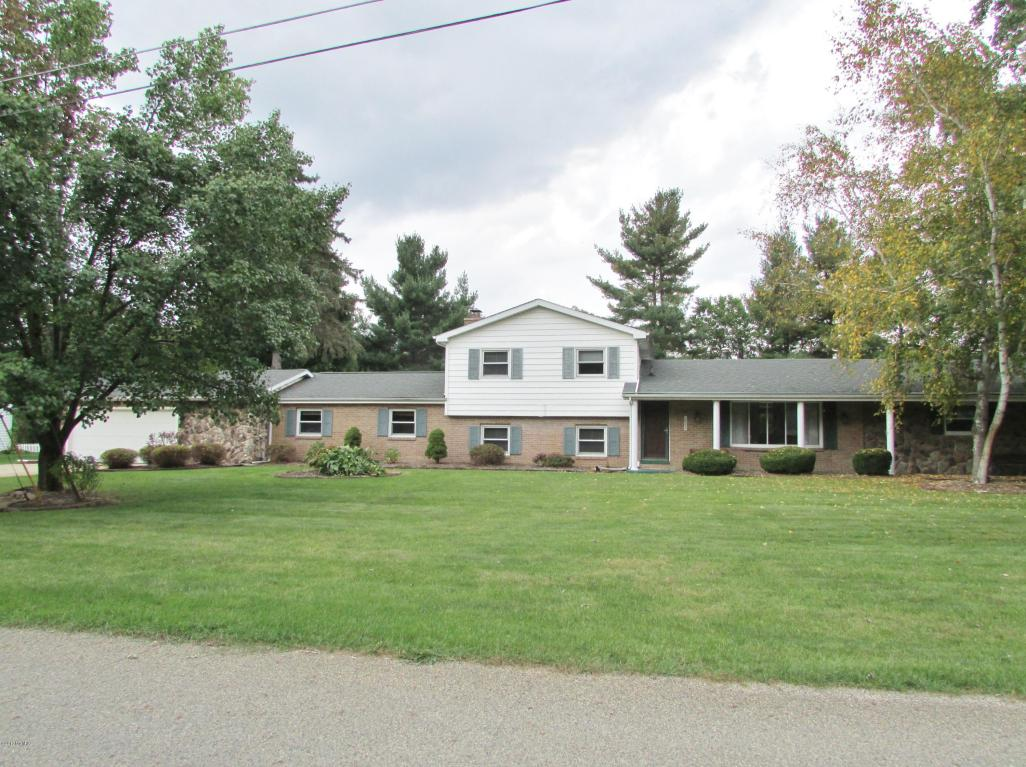 Photo of 628 N Fall River Drive  Coldwater  MI