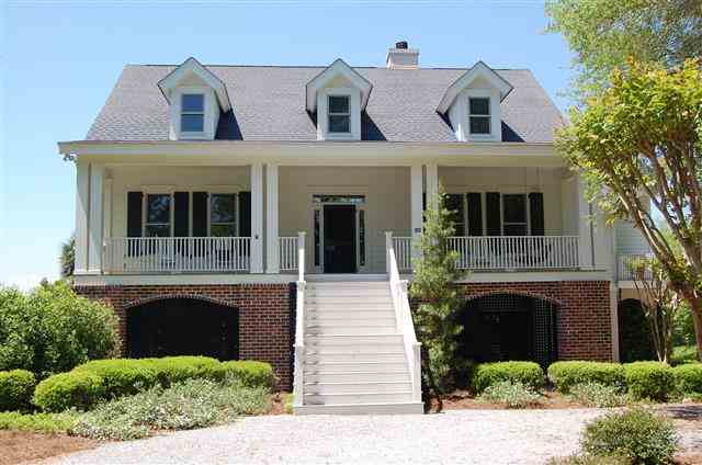 Featured Property in ST HELENA ISLAND, SC, 29920