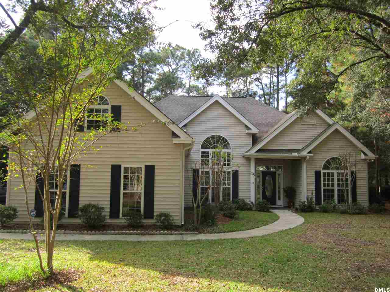 Featured Property in BEAUFORT, SC, 29907