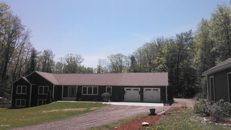 4.38 acres Lanesboro, MA