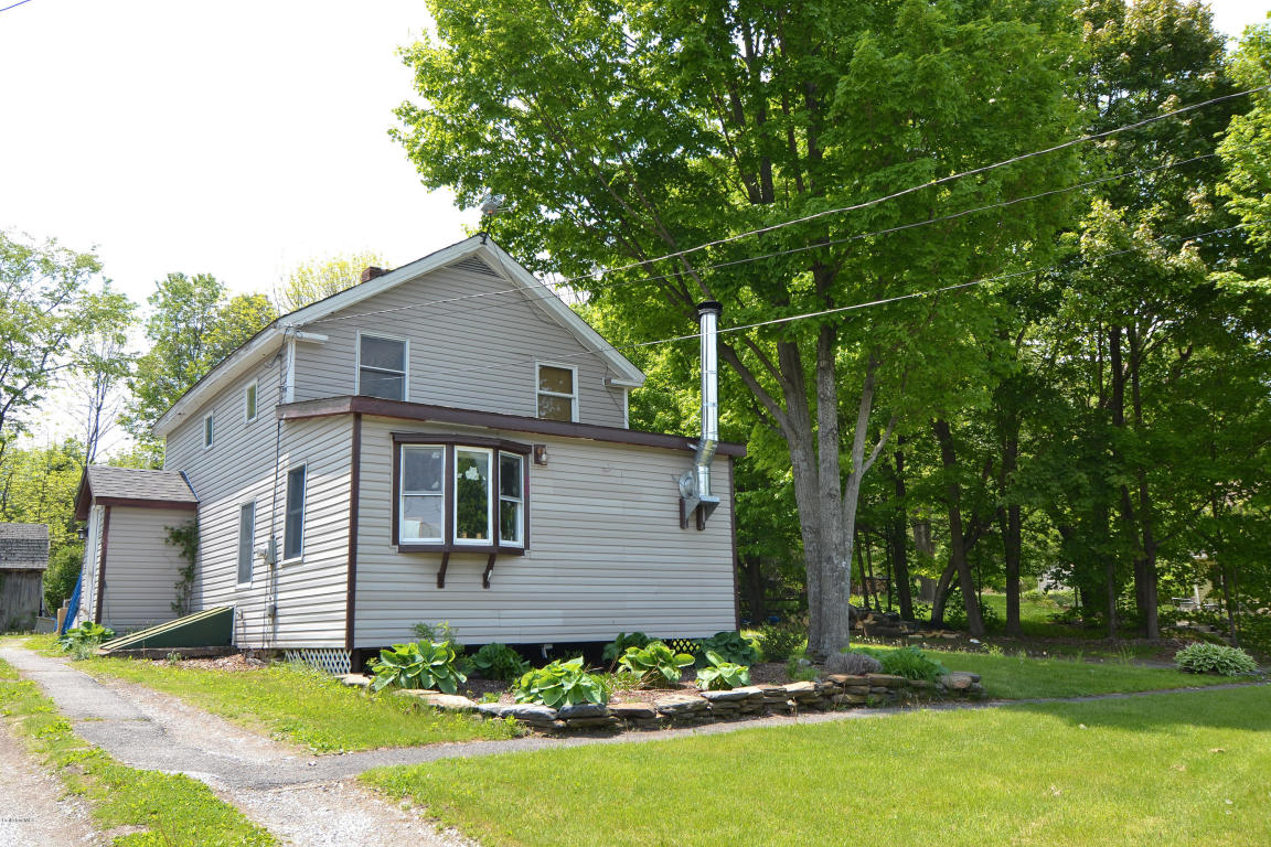 35 Albany Rd, West Stockbridge, MA 01266