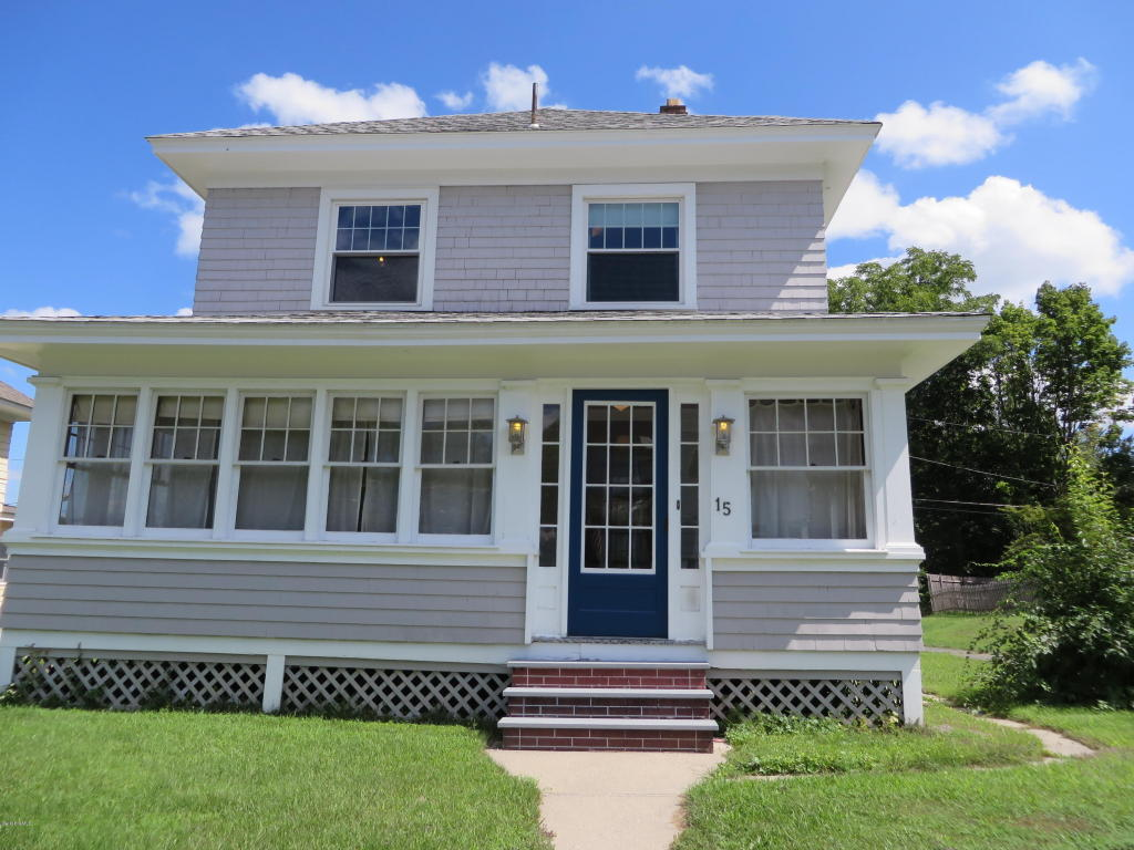 15 Mckinley Ter, Pittsfield, MA 01201