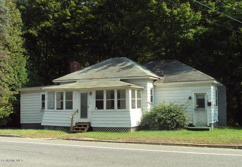 88 Grove St, Adams, MA 01220