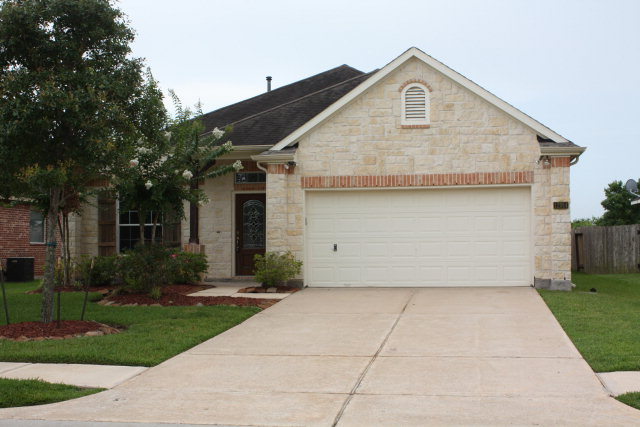 12914 Southern Valley Dr, Pearland, TX 77584