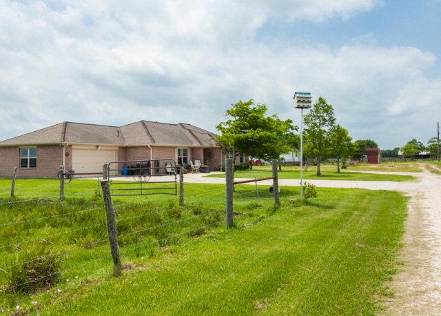 13002 County Road 65, Rosharon, TX 77583