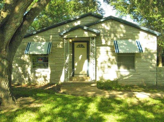 Photo of 714 Shady Ln  ANGLETON  TX
