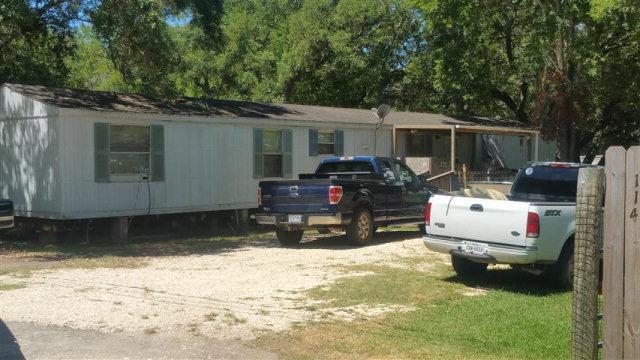 Photo of 114 Anderson Loop  OYSTER CREEK  TX