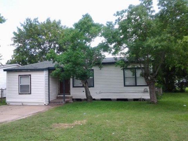 Photo of 606 W 7th St  FREEPORT  TX