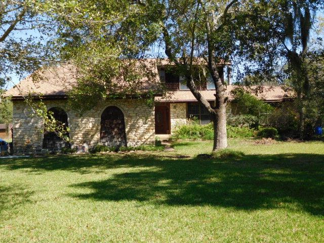 237 Rabbit Trail Lake Jackson, TX 77566