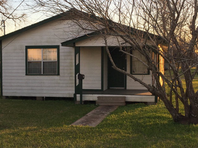 Photo of 211 PEACH ST  SWEENY  TX