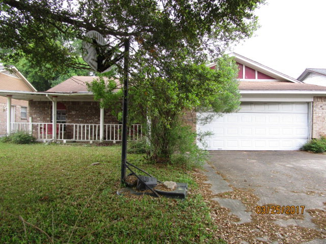 Photo of 909 Molina Dr  ANGLETON  TX