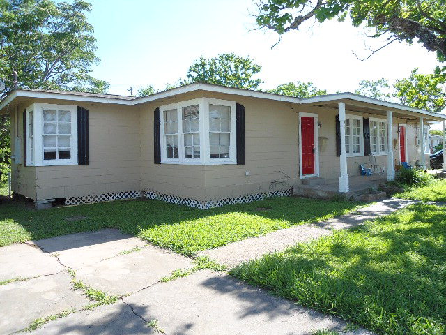 Photo of 132428 West 9th St  FREEPORT  TX