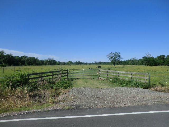 0 County Road 400 LAKE JACKSON, TX 77566