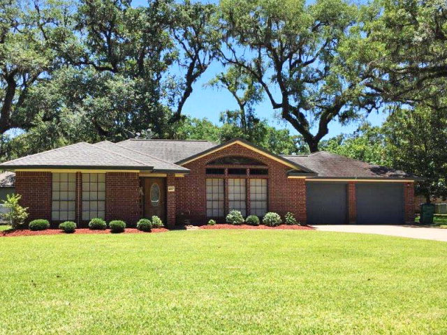 Photo of 217 Inwood Dr  WEST COLUMBIA  TX