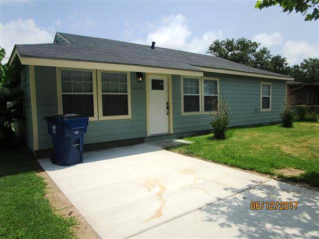 Photo of 1010 West 10th  FREEPORT  TX