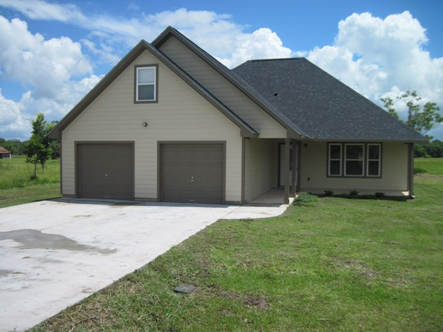 Photo of 212 Silverleaf  SWEENY  TX