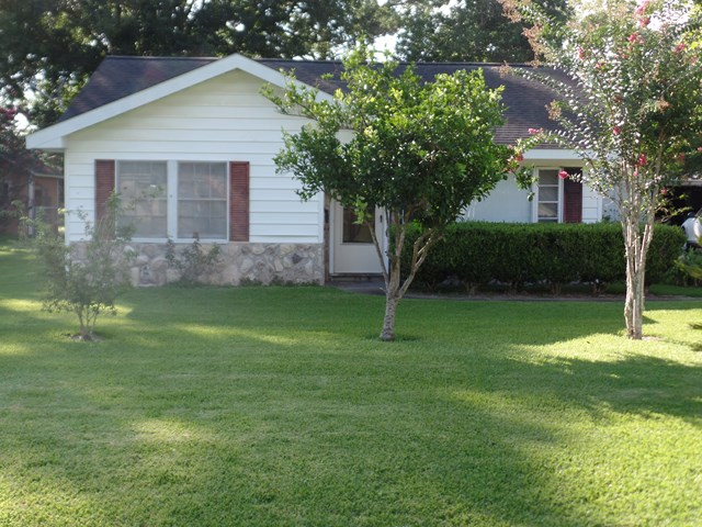 Photo of 801 2nd Street  SWEENY  TX