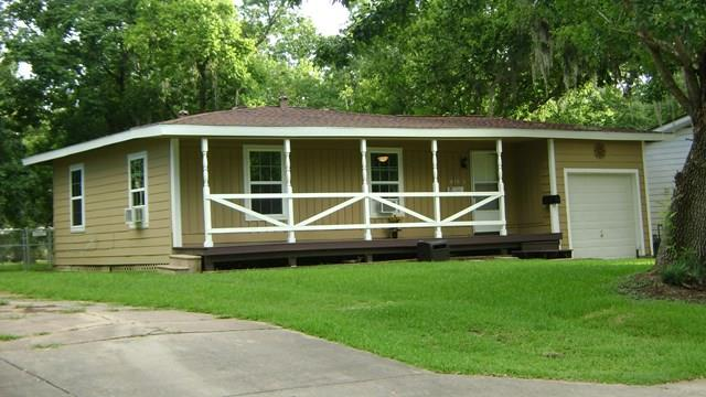 Photo of 418 Winding Way  LAKE JACKSON  TX