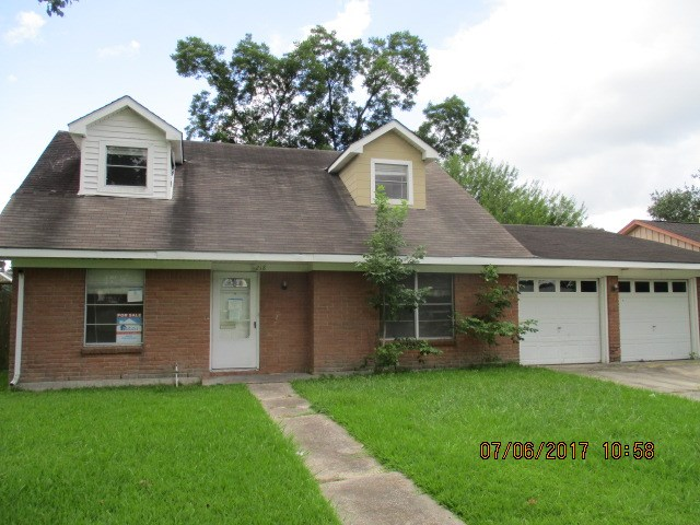 Photo of 218 E Edgebrook Dr  HOUSTON  TX