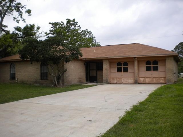 Photo of 304 Hickory  LAKE JACKSON  TX