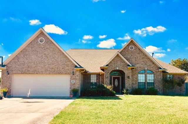 317 Heritage Oaks Dr Angleton, TX 77515
