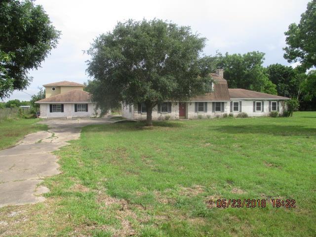 1118 County Road 47 Angleton, TX 77515