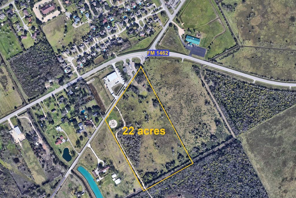 2713 Parker School Rd (cr 172), Off Fm 1462 Alvin, TX 77511