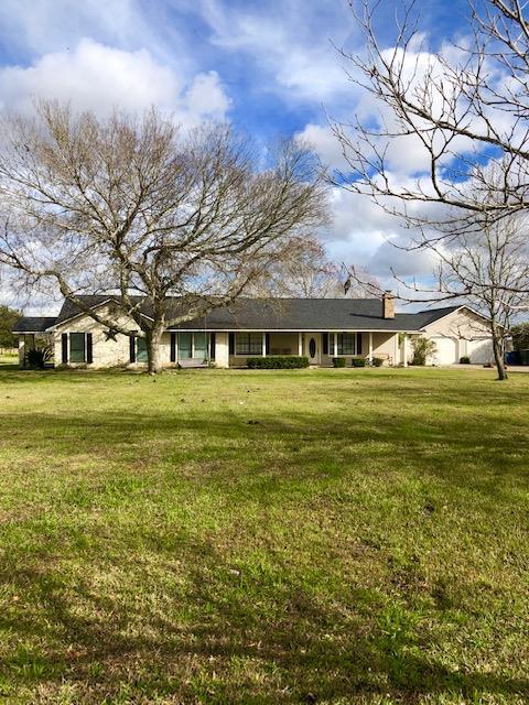 225 County Road 735 Angleton, TX 77515