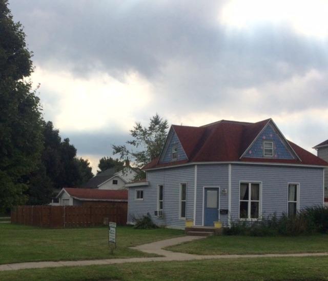 Photo of 902 B Avenue  Vinton  IA