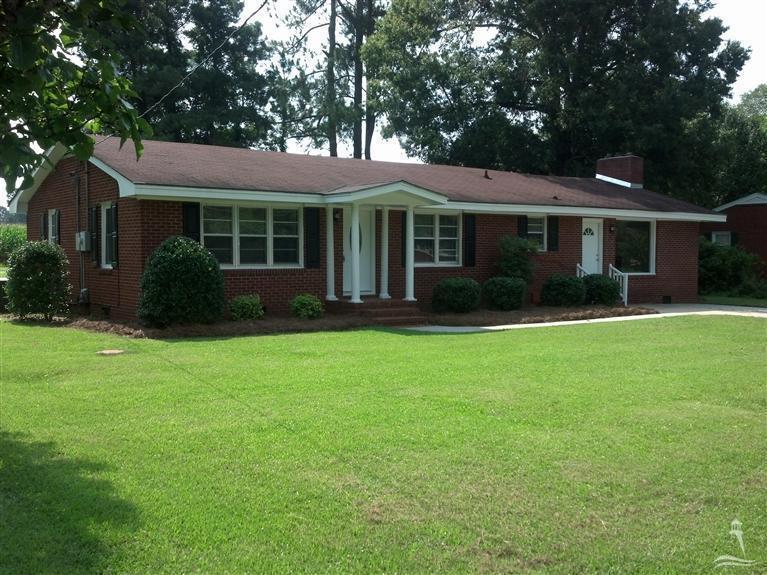 Photo of 816 Spruce Street  Whiteville  NC