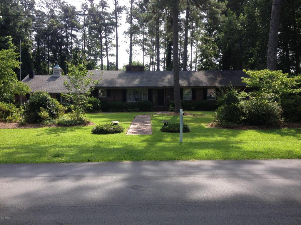 536 Edgewood Cir, Whiteville, NC 28472