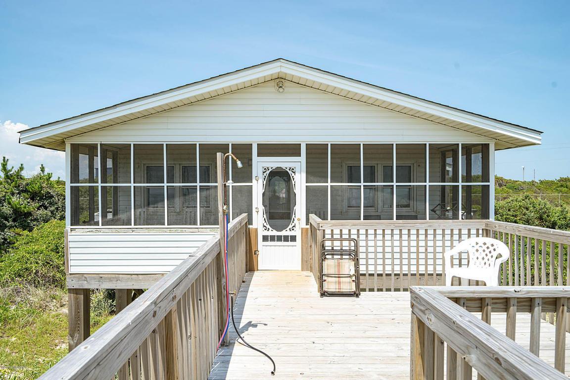 703 Caswell Beach Rd, Caswell Beach, NC 28465