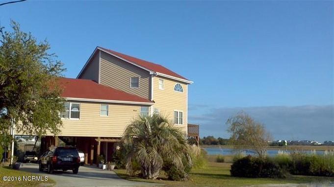 1749 Seagull Way SW, Ocean Isle Beach, NC 28469