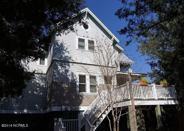 20 Captain Charlies Ct, Bald Head Island, NC 28461