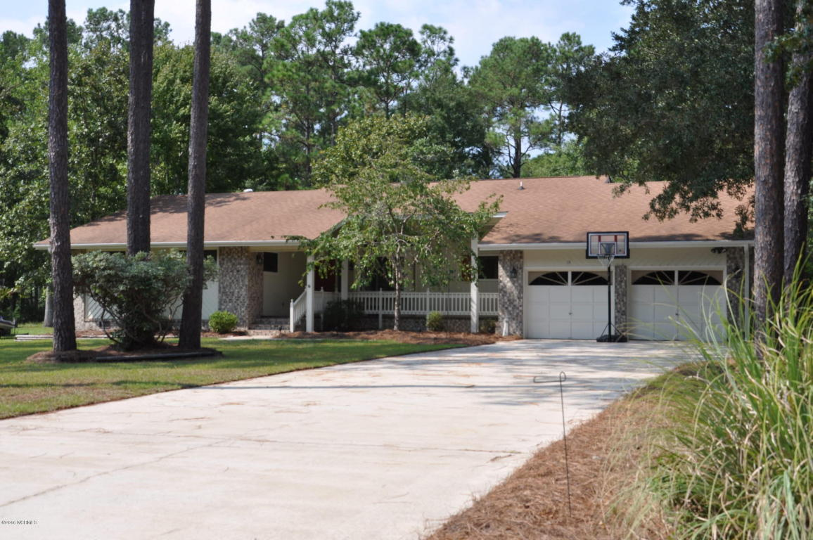 113 Country Club Dr, Shallotte, NC 28470