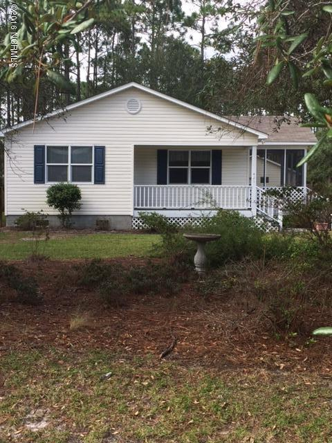 421 Charlestown St, Southport, NC 28461