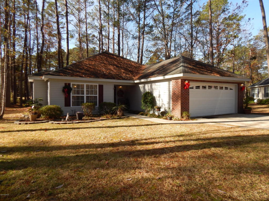 1 Moss Ct, Carolina Shores, NC 28467