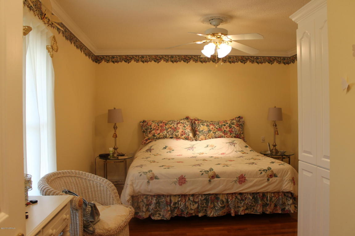 lake waccamaw single women Waccamaw village rest home located in lake waccamaw nc with service to surrounding cities, is an assisted living facility call 910-646-3153 to get in touch with the team.