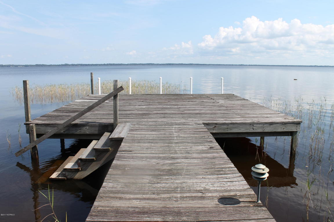 lake waccamaw lesbian singles Browse over 34 active land listings available in lake waccamaw, nc view property descriptions, available acre's, and other important listing information on realestatecom.