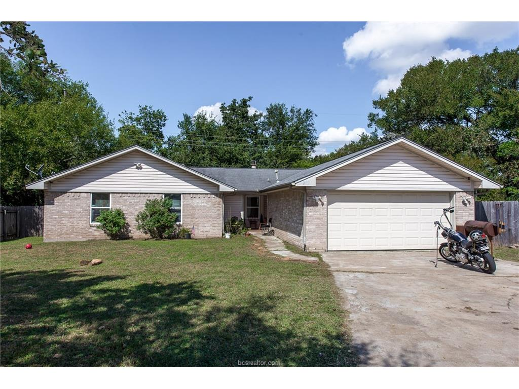 Photo of 2801 Forestwood Drive  Bryan  TX