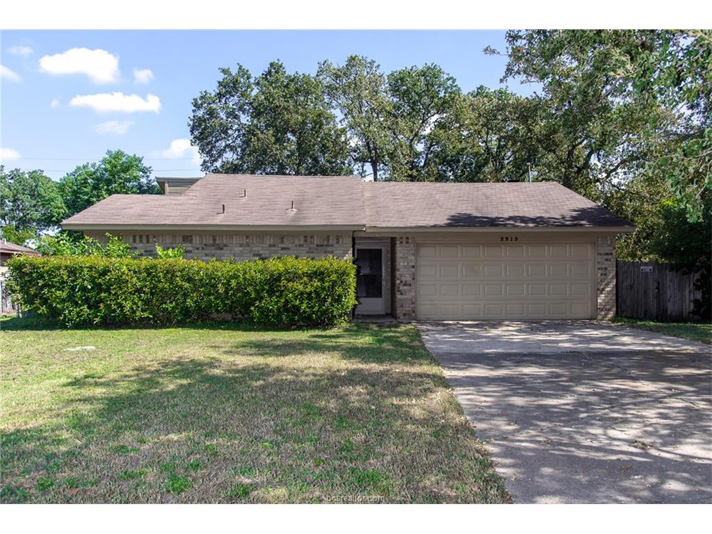 Photo of 2915 Forestwood Drive  Bryan  TX
