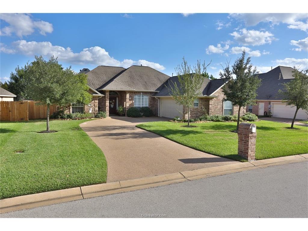 3810 Park Hampton Dr, Bryan, TX 77802
